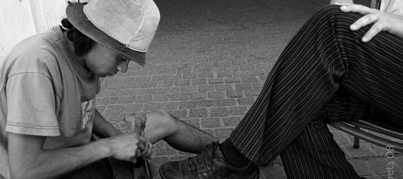 El lustrador de zapatos