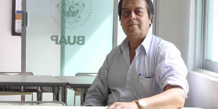 A Dr Santos H Zepeda